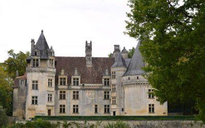 castle-of-puyguilhem-3234716_1280